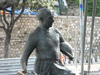 Juan Manuel Fangio Sculpture Monaco 07-04-2014 13-34-27