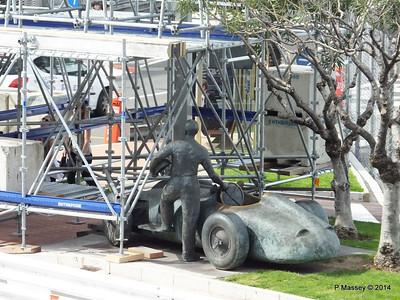 Juan Manuel Fangio Sculpture Monaco 07-04-2014 13-32-01