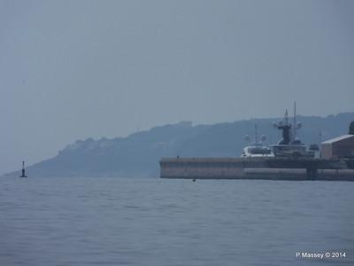 Distant WHITE ROSE OF DRACHS Port de Cap D'Ail 07-04-2014 12-44-04