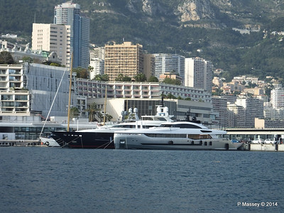 40 and BLUE SCORPION Port Hercule Monaco 07-04-2014 15-25-40