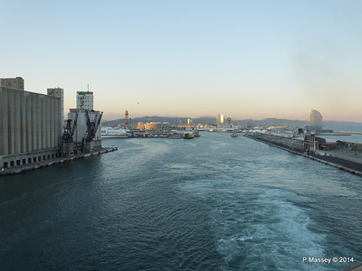 Departing Barcelona on board MSC SINFONIA PDM 06-04-2014 18-11-17