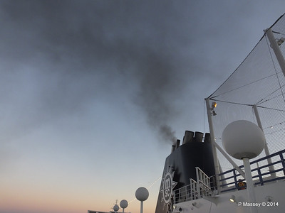 Funnel Smoke MSC SINFONIA PDM 06-04-2014 18-24-00