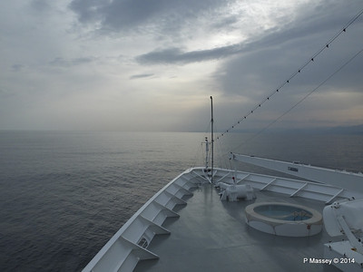 Over the bow sunset Deck 9 MSC SINFONIA PDM 05-04-2014 16-12-18