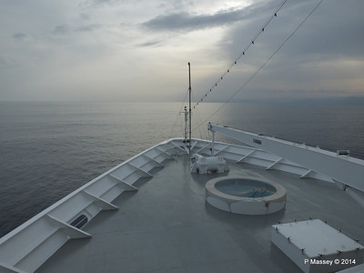 Over the bow sunset Deck 9 MSC SINFONIA PDM 05-04-2014 16-13-07