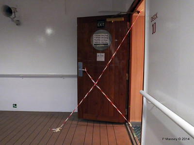 Door Varnishing Deck 10 aft MSC SINFONIA 07-04-2014 18-34-08