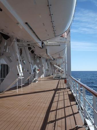 Port Promenade MSC SINFONIA PDM 06-04-2014 08-31-57