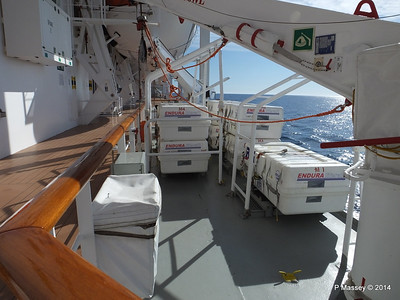 Port Promenade MSC SINFONIA PDM 06-04-2014 08-32-57