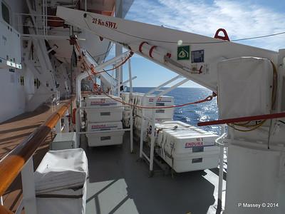 Port Promenade MSC SINFONIA PDM 06-04-2014 08-33-04