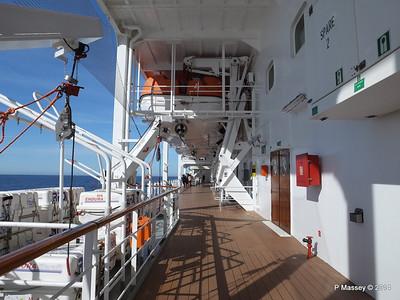Port Promenade MSC SINFONIA PDM 06-04-2014 08-34-06