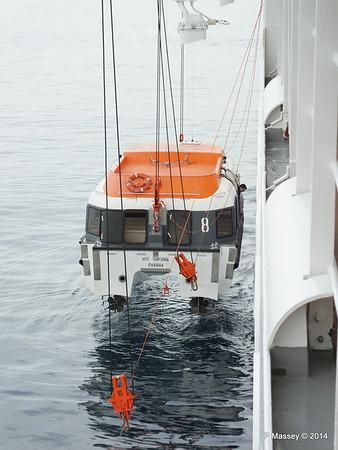 Raising Tender 8 Port side MSC SINFONIA PDM 07-04-2014 16-32-44