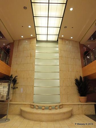 Reception Atrium Waterfall MSC SINFONIA PDM 07-04-2014 05-27-24