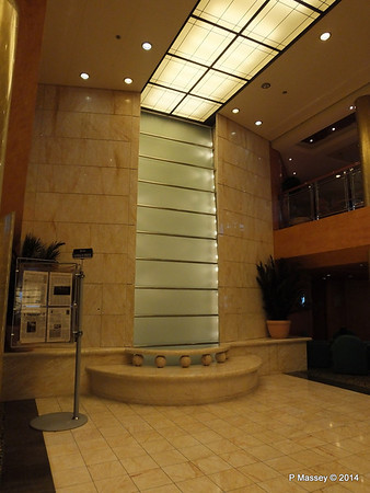 Reception Atrium Waterfall MSC SINFONIA PDM 07-04-2014 05-27-02