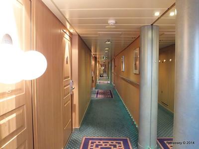 Hallway Deck 12 fwd port MSC SINFONIA PDM 07-04-2014 05-42-019