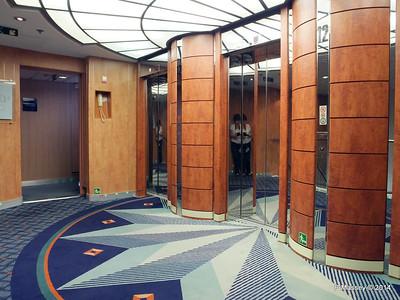 Lift Lobby Deck 12 fwd MSC SINFONIA PDM 07-04-2014 05-41-26