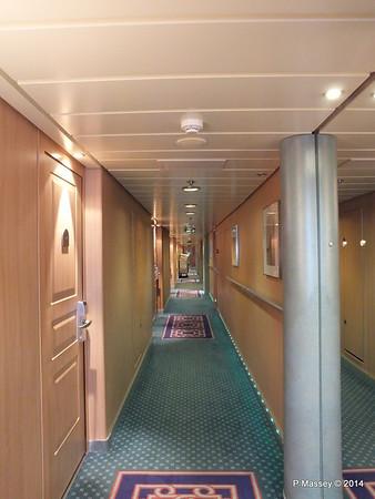 Hallway Deck 12 fwd port MSC SINFONIA PDM 07-04-2014 05-42-03