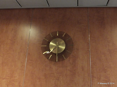 Hallway Clock Deck 7 Stairwell fwd MSC SINFONIA PDM 06-04-2014 05-30-29