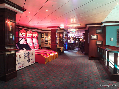 O'Sheehan's Bar Games Area NORWEGIAN GETAWAY PDM 14-01-2014 22-48-57