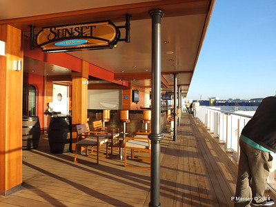 Sunset Bar Waterfront NORWEGIAN GETAWAY PDM 14-01-2014 09-01-41