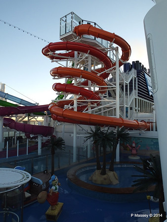 Whip Waterslide NORWEGIAN GETAWAY PDM 14-01-2014 08-34-12
