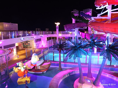Kid's Aqua Park at Night NORWEGIAN GETAWAY PDM 13-01-2014 18-27-15
