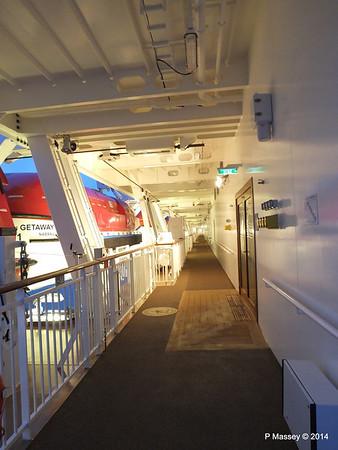 NORWEGIAN GETAWAY Starboard Promenade PDM 15-01-2014 07-46-13