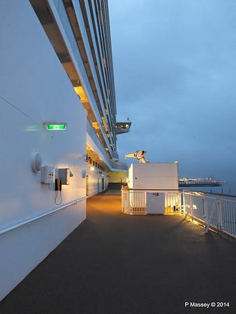 NORWEGIAN GETAWAY Starboard Promenade PDM 15-01-2014 07-46-37
