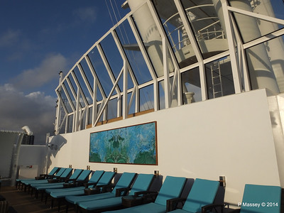 The Haven Sun Deck surrounding Courtyard NORWEGIAN GETAWAY PDM 13-01-2014 14-35-48