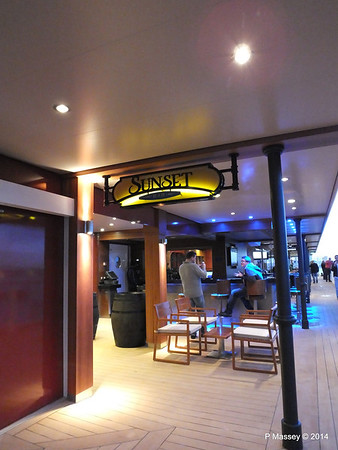 The Waterfront Sunset Bar NORWEGIAN GETAWAY PDM 13-01-2014 16-20-34