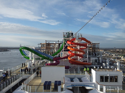 Market Place to Whip & Freefall Waterslides NORWEGIAN GETAWAY PDM 14-01-2014 14-54-35