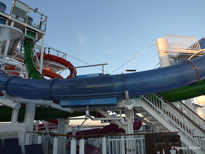 Whip & Freefall Waterslides NORWEGIAN GETAWAY PDM 14-01-2014 08-23-01