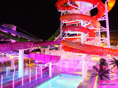 Whip & Freefall Waterslides NORWEGIAN GETAWAY PDM 13-01-2014 18-29-06