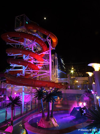 Whip & Freefall Waterslides NORWEGIAN GETAWAY PDM 13-01-2014 18-28-36