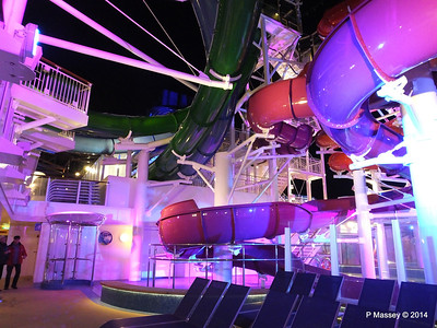 Whip & Freefall Waterslides NORWEGIAN GETAWAY PDM 13-01-2014 18-11-29