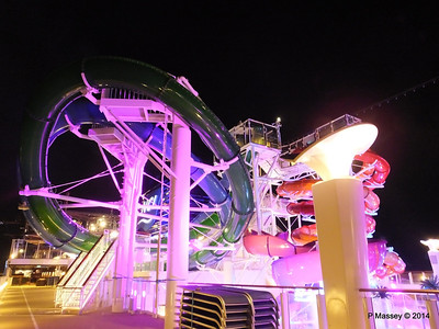 Whip & Freefall Waterslides NORWEGIAN GETAWAY PDM 13-01-2014 18-30-21