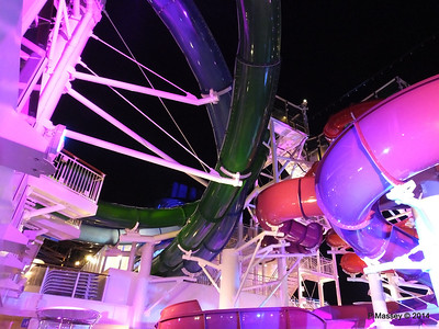 Whip & Freefall Waterslides NORWEGIAN GETAWAY PDM 13-01-2014 18-11-20