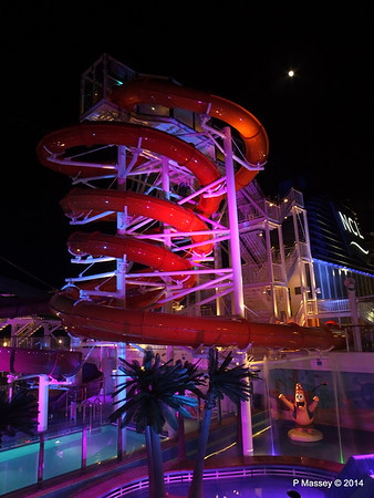 Whip & Freefall Waterslides NORWEGIAN GETAWAY PDM 13-01-2014 18-28-06