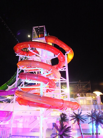 Whip & Freefall Waterslides NORWEGIAN GETAWAY PDM 13-01-2014 18-29-17