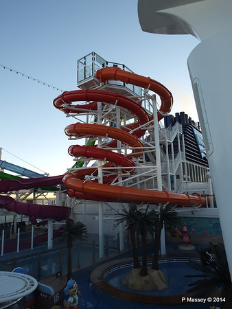 Whip Waterslide NORWEGIAN GETAWAY PDM 14-01-2014 08-34-14