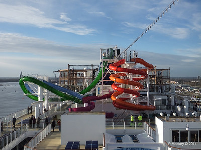 Market Place to Whip & Freefall Waterslides NORWEGIAN GETAWAY PDM 14-01-2014 14-54-37