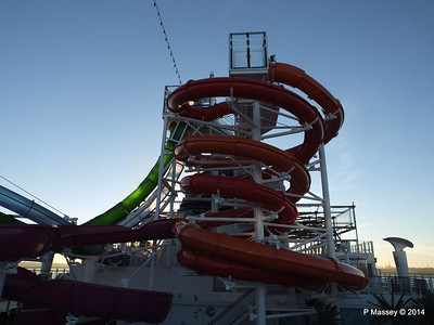 Whip & Freefall Waterslides NORWEGIAN GETAWAY PDM 14-01-2014 08-35-16