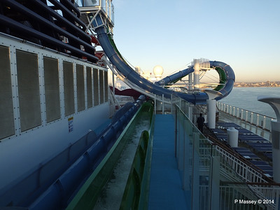 Freefall Waterslide Catchers NORWEGIAN GETAWAY PDM 14-01-2014 08-30-01