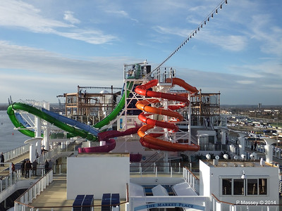 Market Place to Whip & Freefall Waterslides NORWEGIAN GETAWAY PDM 14-01-2014 14-54-45