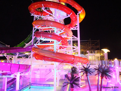 Whip & Freefall Waterslides NORWEGIAN GETAWAY PDM 13-01-2014 18-29-13