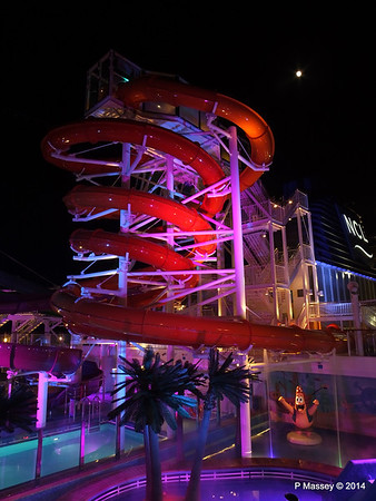 Whip & Freefall Waterslides NORWEGIAN GETAWAY PDM 13-01-2014 18-28-09