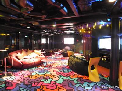 Entourage Teen Lounge NORWEGIAN GETAWAY PDM 14-01-2014 23-47-13