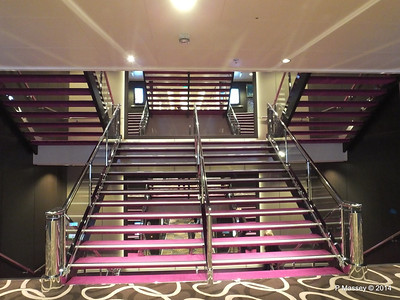 Deck 7 fwd Stairwell NORWEGIAN GETAWAY PDM 15-01-2014 07-39-48
