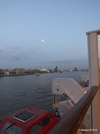 Rotterdam from NORWEGIAN GETAWAY as we depart PDM 13-01-2014 16-17-29