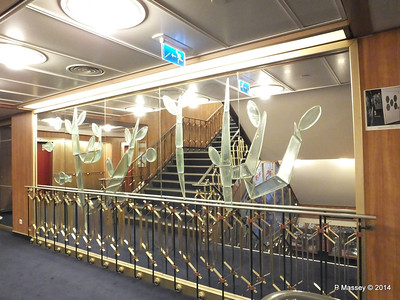 ss ROTTERDAM Glass Central Stairwell PDM 12-01-2014 21-25-00