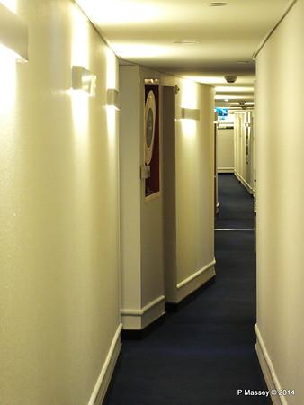 A Deck Hallway ss ROTTERDAM PDM 12-01-2014 21-18-50