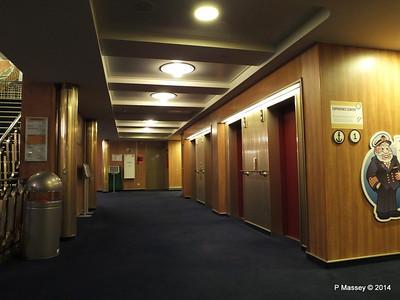 ss ROTTERDAM Lower Promenade Deck Hallway PDM 13-01-2014 07-48-57